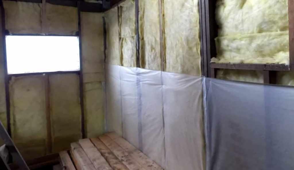 Теплоизоляция стен курятника