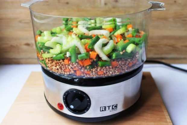 Гречка с овощами в пароварке