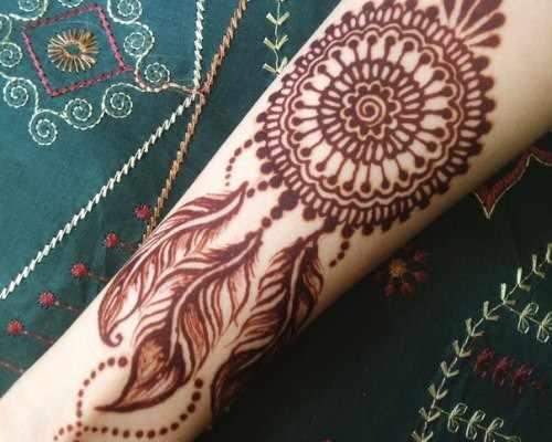 Перья павлина в мехенди - индийской росписи хной