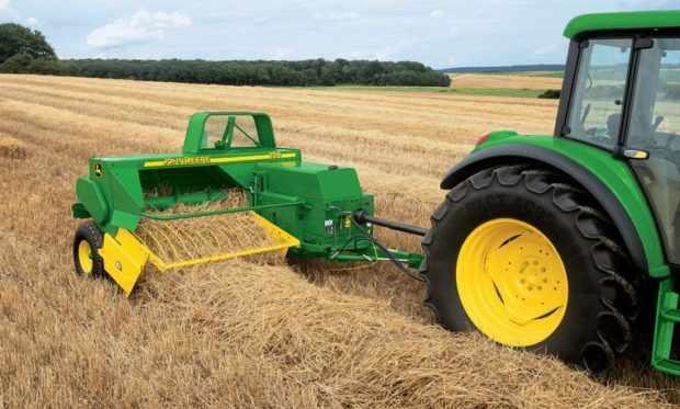 Пресс-подборщик для мини-трактора