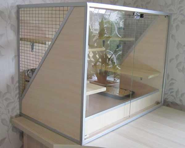 Самодельная витрина для шиншиллы