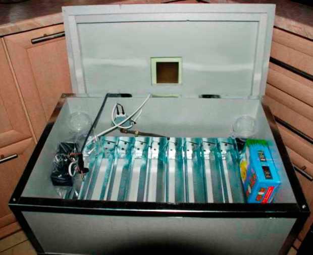 Бытовой инкубатор Наседка-14087